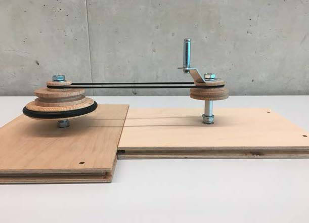 Aufgebautes Modell des Riemengetriebes (Fahrradgetriebe).